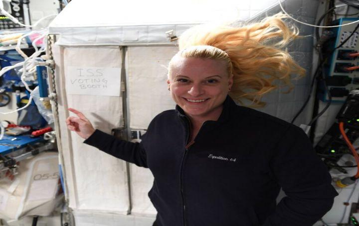 چطور زن فضانورد آمریکایی از ایستگاه فضایی رای داد